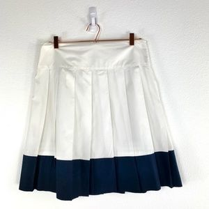 BANANA REPUBLIC Pleated White with Navy Trim Skirt